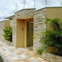 calçada-moderna-bonita-casa-pedra-são-tome-1